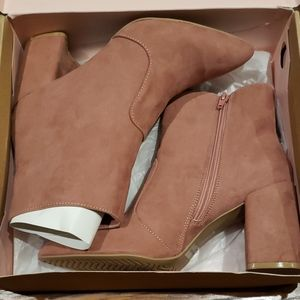 NWT Charlotte Russe Suede Boots size 8